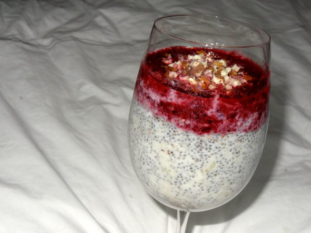 Pudding de chia + coulis fruits rouges