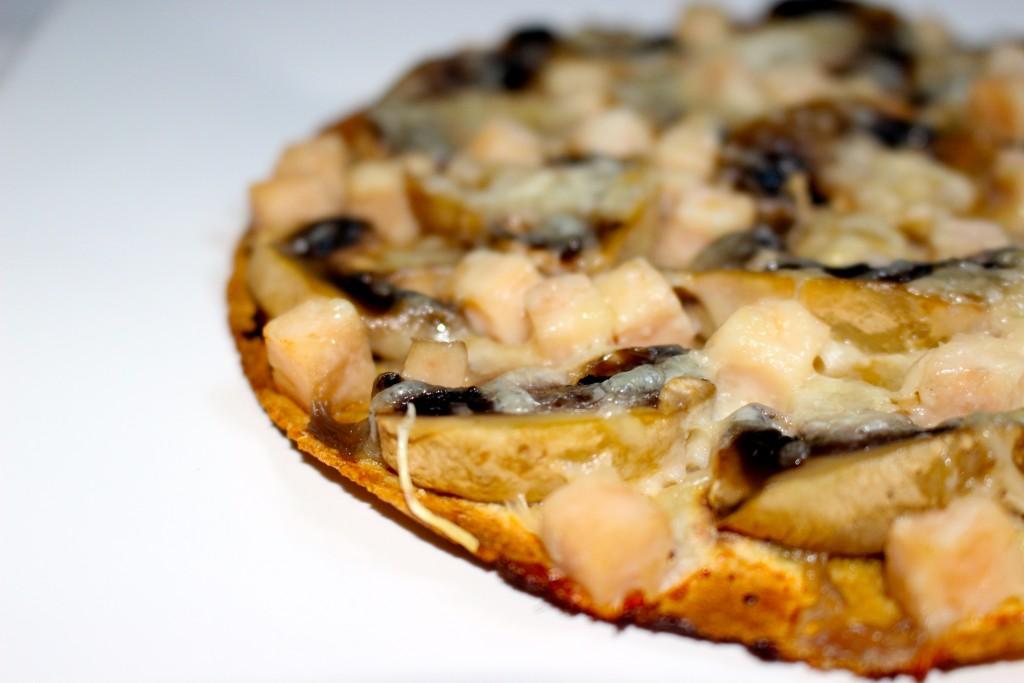 Tortilla-pizza poulet champignons