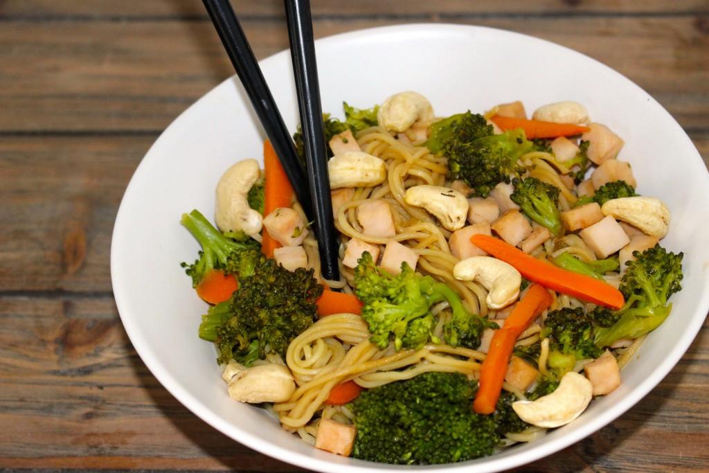 Nouilles poulet et aux légumes croquants