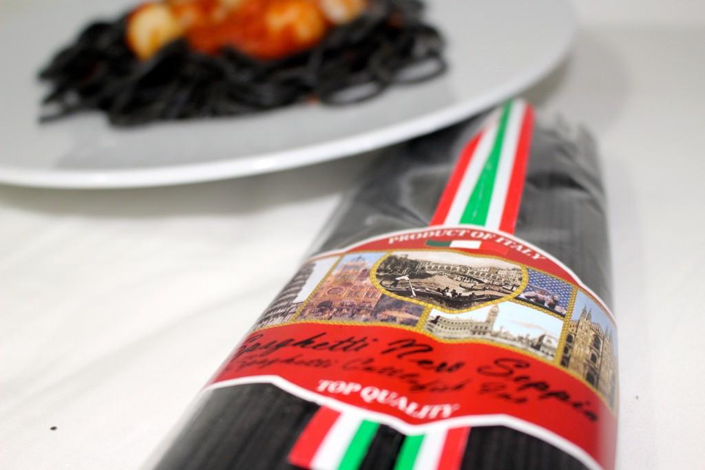 Pâtes noire à l'encre de seiche
