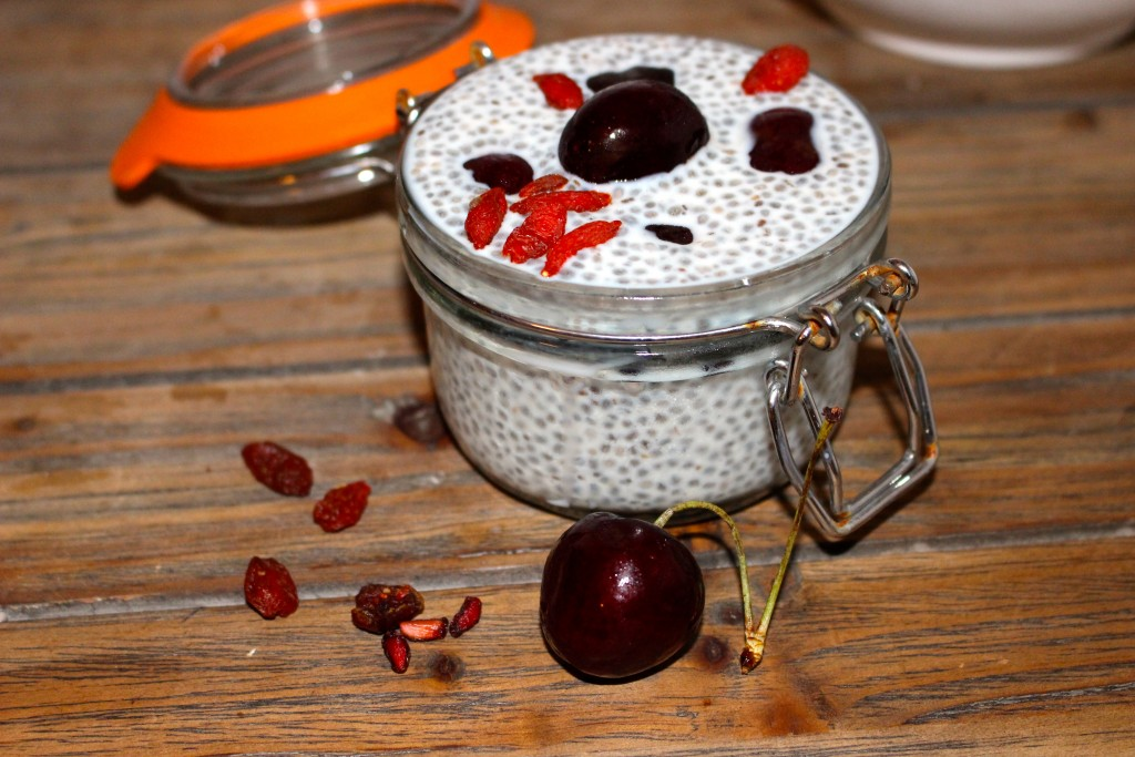Chia pudding cherry
