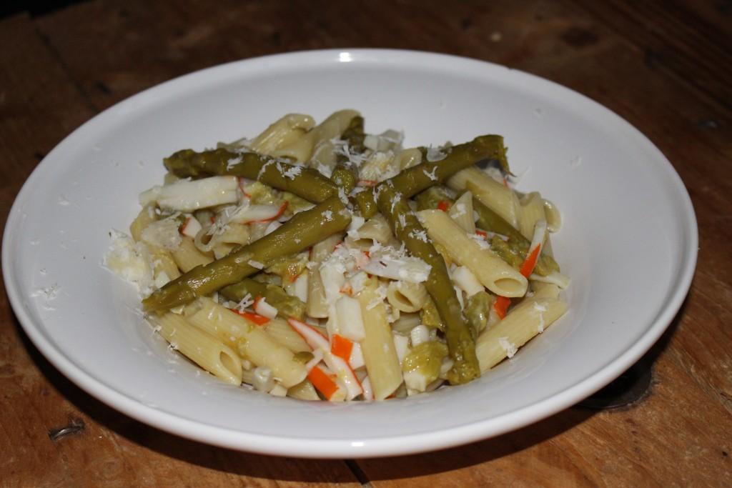 Pâtes aux asperges et au surimi