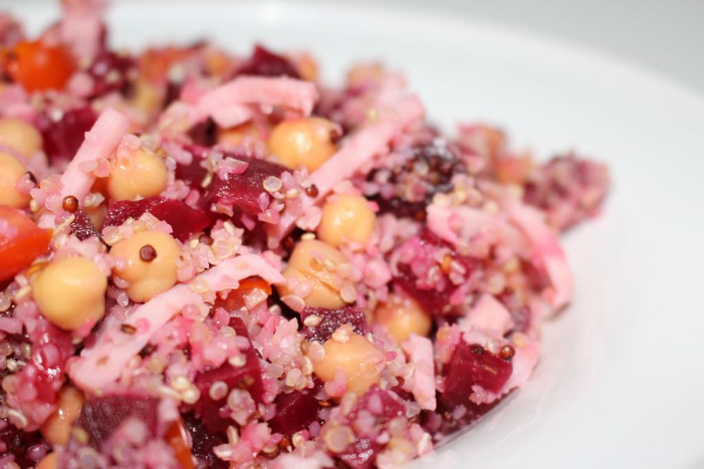 Salade de quinoa, pois chiche et betterave