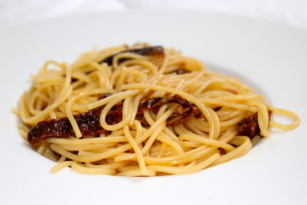 Spaghettis aux tomates séchées