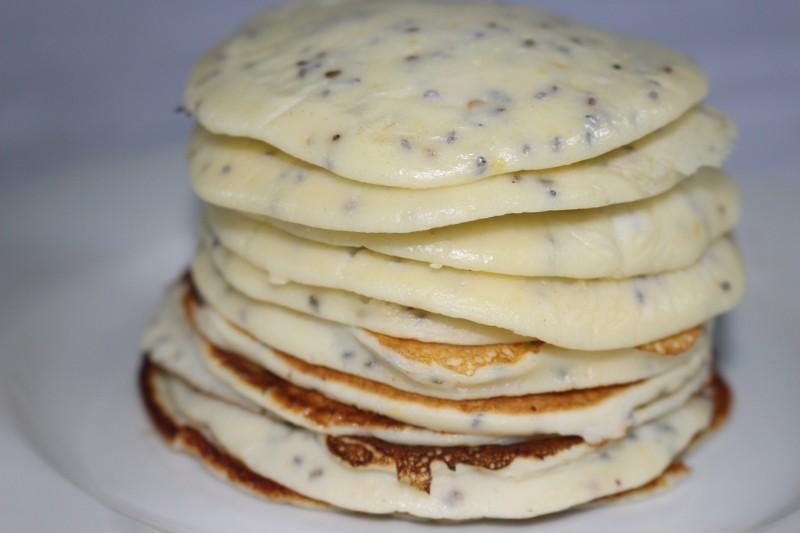 recette de pancakes l 39 orange et aux graines de chia dine move blog sport cuisine healthy. Black Bedroom Furniture Sets. Home Design Ideas