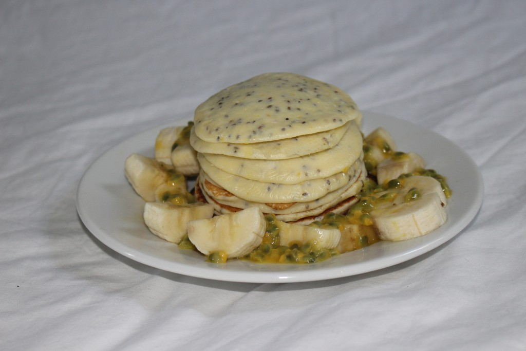 Pancakes chia aux fruits