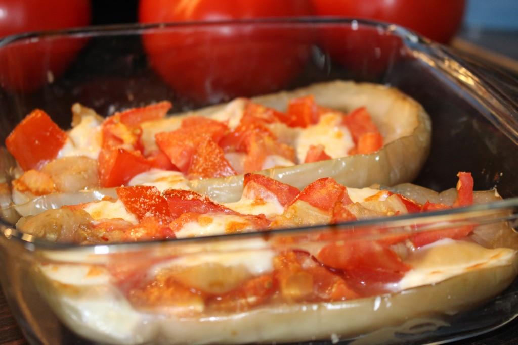 Aubergine blanche farcie tomate/mozza