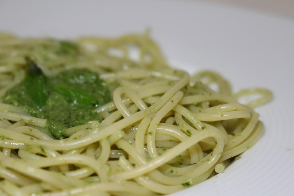Spaghettis au pesto fait maison