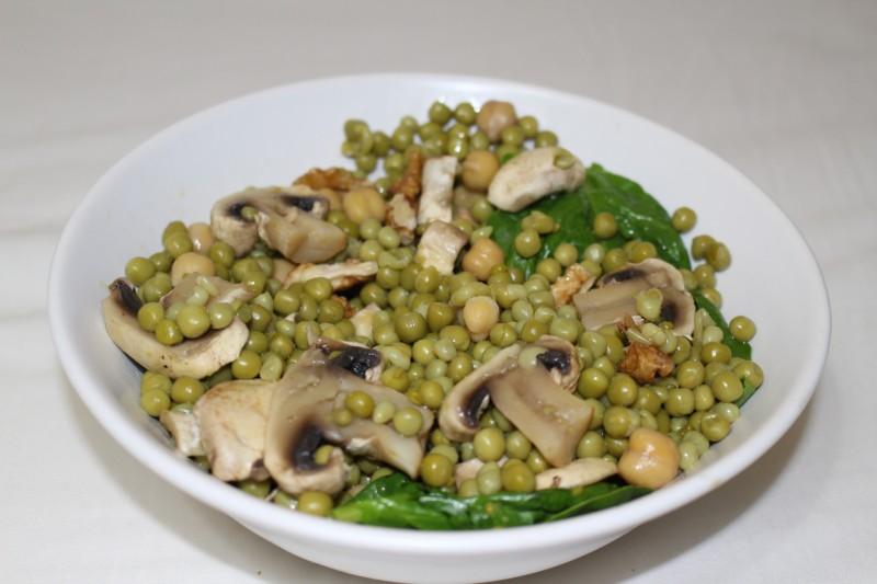 Recette de salade de petits pois dine move - Cuisiner des pois mange tout ...