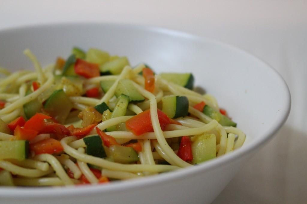 Pâtes aux petits légumes au curry