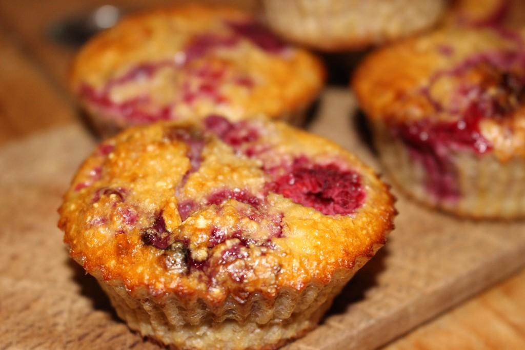 Muffins sucrés banane et framboise