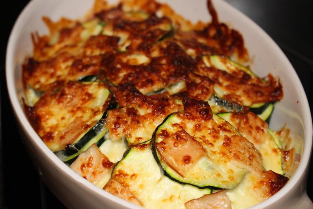 Courgettes dinde et mozzarella au gratin