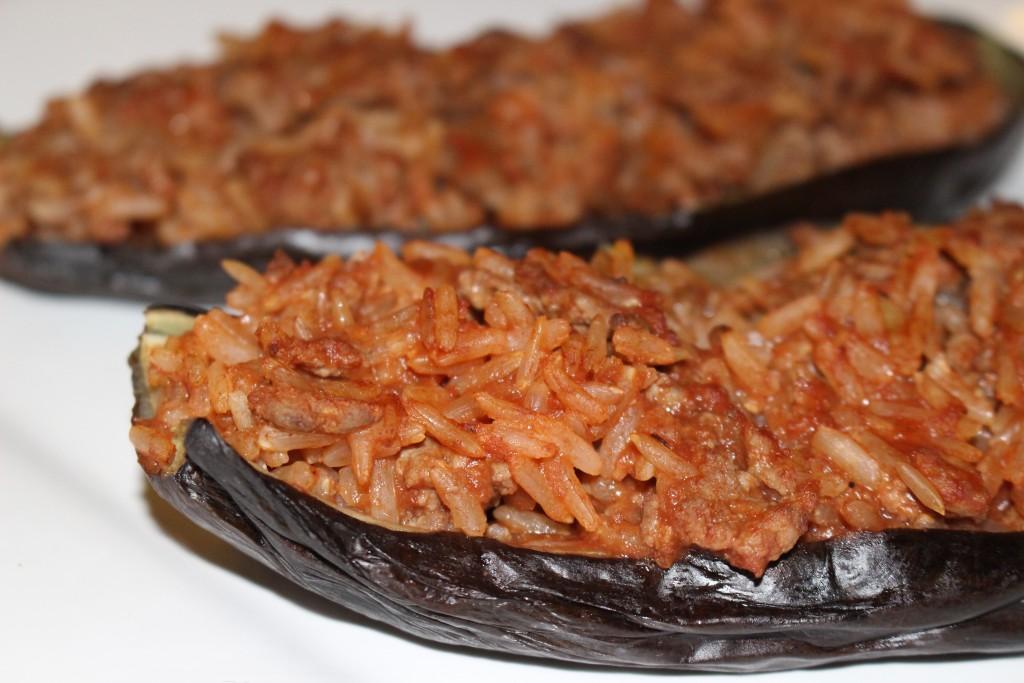 Aubergine farcie boeuf et riz à la tomate