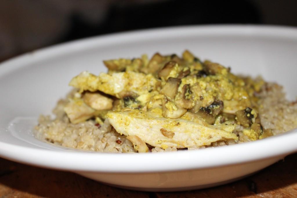 Quinoa au poulet curry et champignons