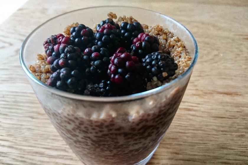 Quinoa au chocolat et aux mûres